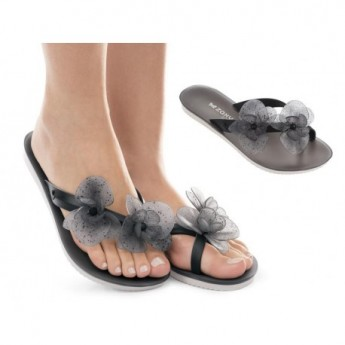 ICE II black flat flip flops for woman