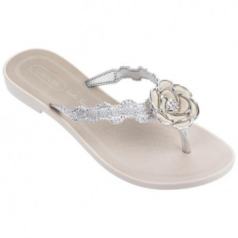 IS CELEBRAR white flat finger sandals for woman