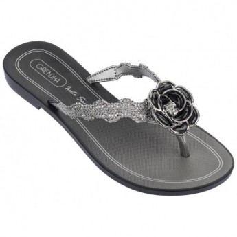IS CELEBRAR black flat finger sandals for woman