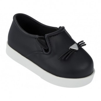 IT black and white flat closed ballet flats for baby