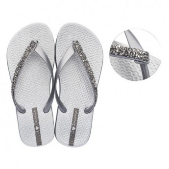 GLAM SPECIAL cristina pedroche silver flat finger flip flops for woman