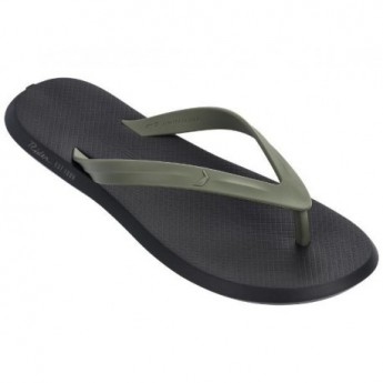 R1 + black and green flat finger flip flops for man