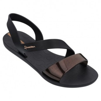 VIBE cristina pedroche black flat shovel sandals for woman