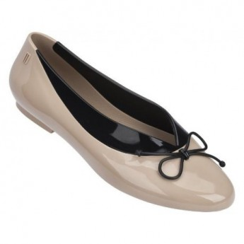JUST DANCE beige and black flat closed ballet flats for woman