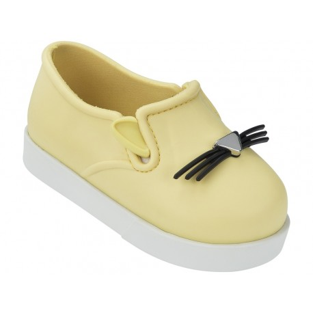 IT white and yellow flat closed ballet flats for baby