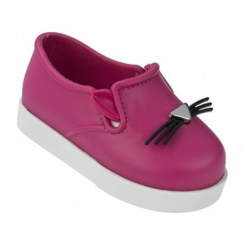 IT pink and white flat closed ballet flats for baby