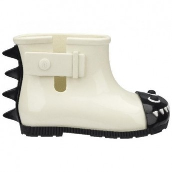BE black and white flat closed boots for baby