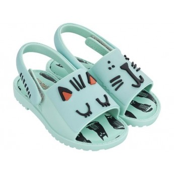 MIA + FABULA green flat open sandals for baby